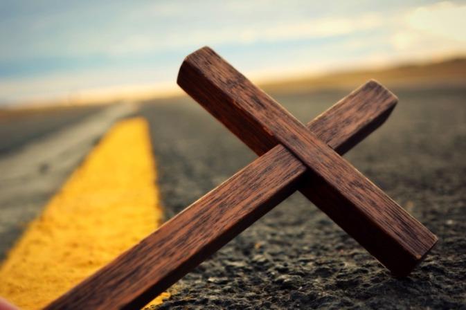 cross on road_Morgan
